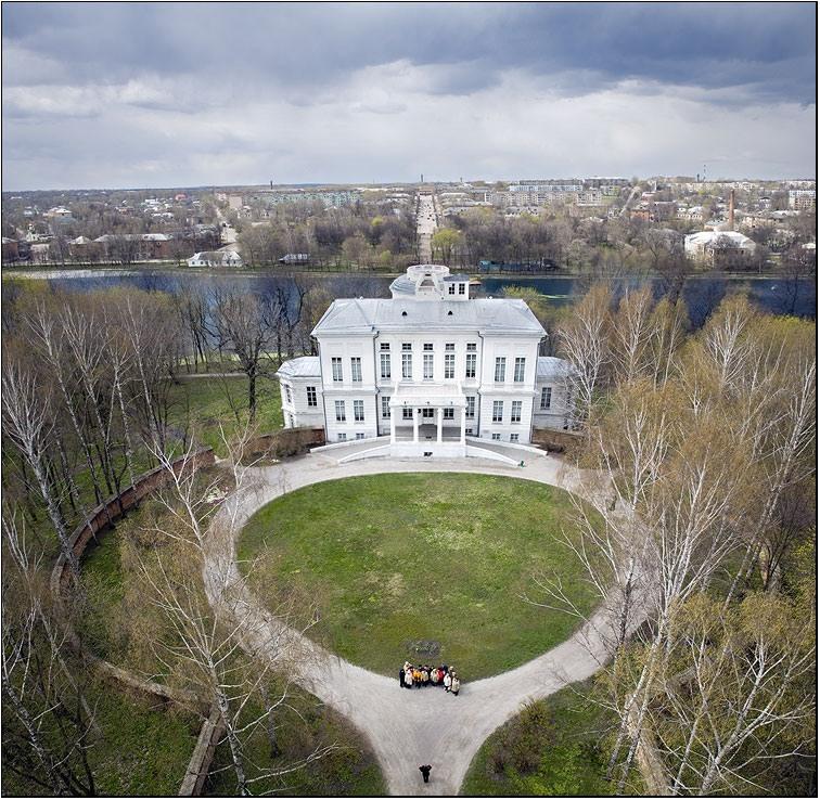 Бобринского дворец