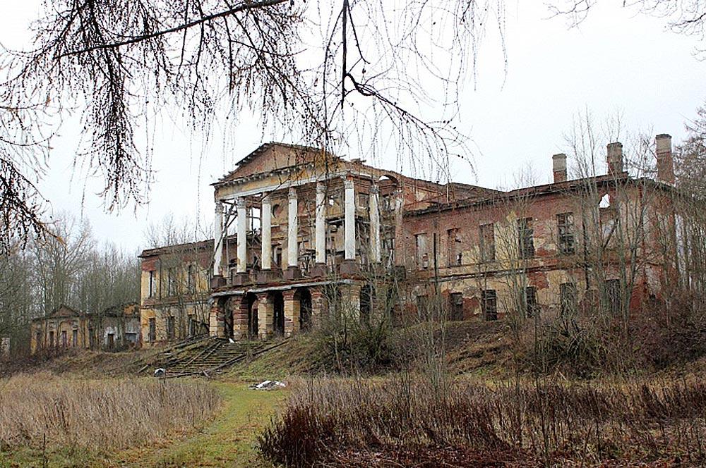 дворец Ропше руины