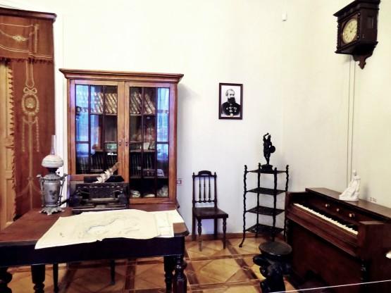 Интерер кабинета в миасском музее