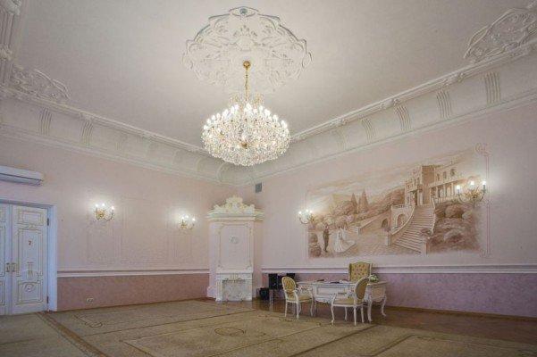 Зал в особнеке купца Г.Ф. Флеера