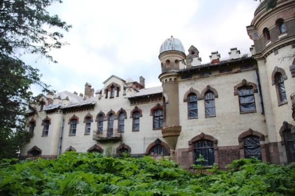 Замок Белогорка