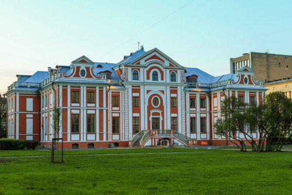 Питерские палаты Кикина