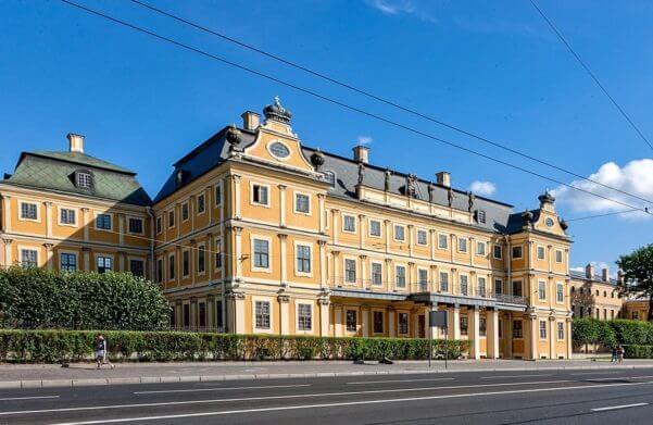дворец меньшикова санкт петербург
