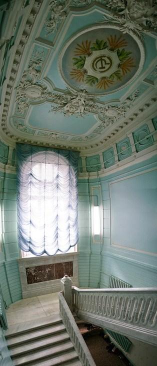 Дом Локалова парадная мраморная лестница