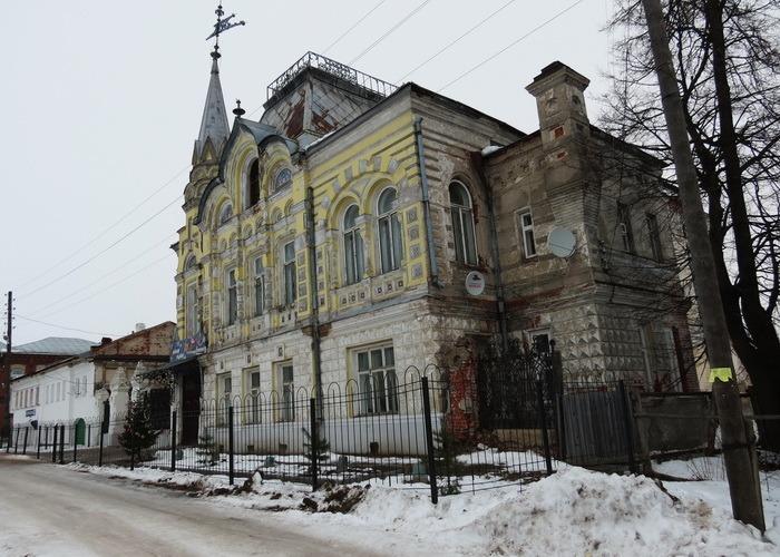 Дом фабриканта Локалова зимой