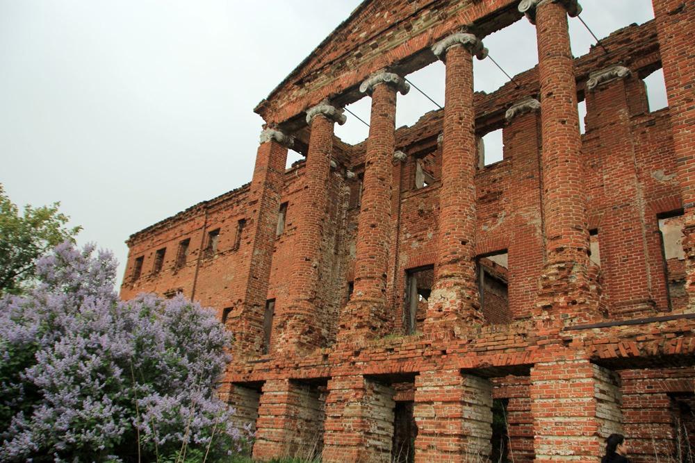 Руины усадьбы