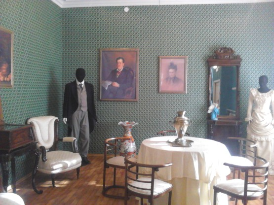 Интерьер комнаты Грибушина в музее купечества